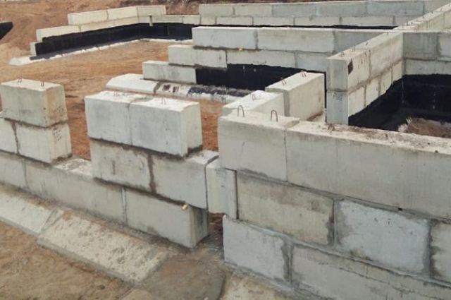 Два блока лицея свяжет надземный теплый переход.