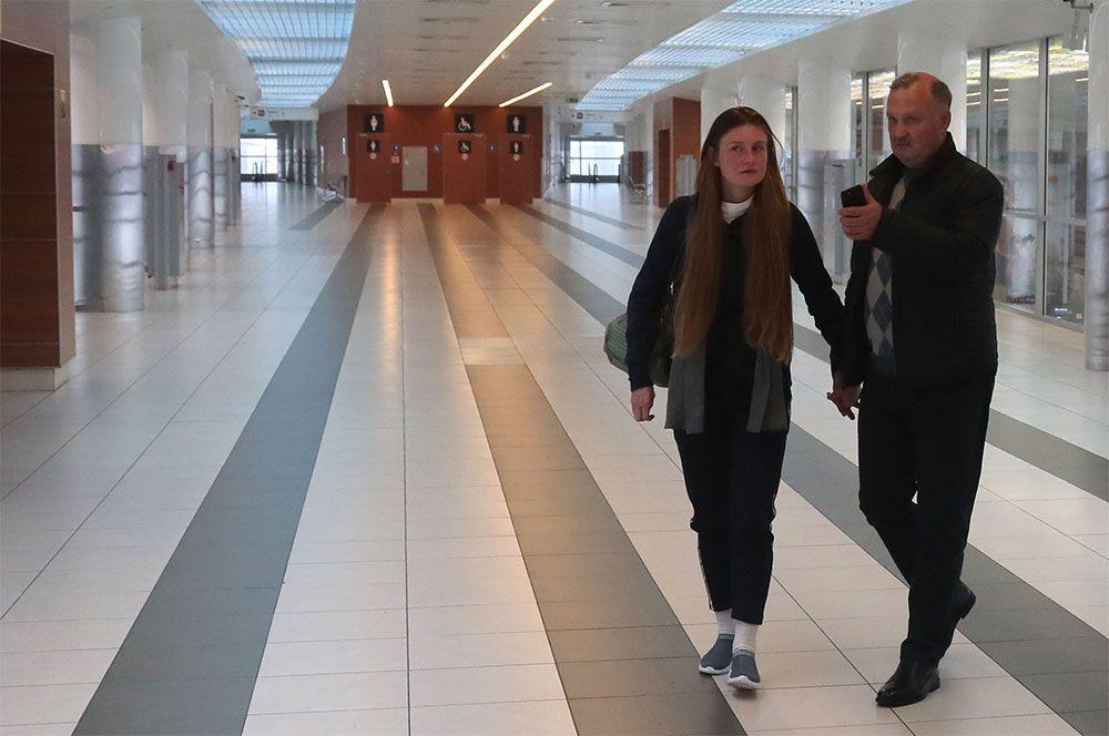 Мария Бутина, освобожденная из тюрьмы в США, с отцом Валерием Бутиным.