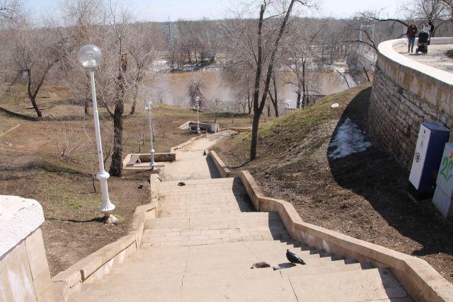 На набережной Урала в Оренбурге, реконструкция которой проходит в рамках национального проекта