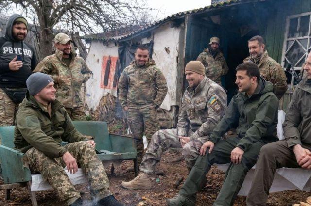 Ветераны-добровольцы вывезли оружие из Золотого, - МВД