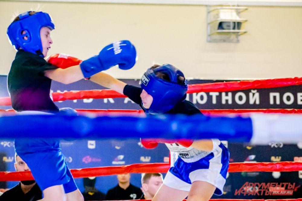 Со всей Иркутской области спортсмены прислали больше 400 видео-заявок, в которых записали свою работу с грушей, спарринг и бой с тенью