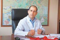 Главный врач поликлиники №8 Сергей Сафарян напомнил, что каждой женщине следует раз  в год проверять здоровье молочных желёз.