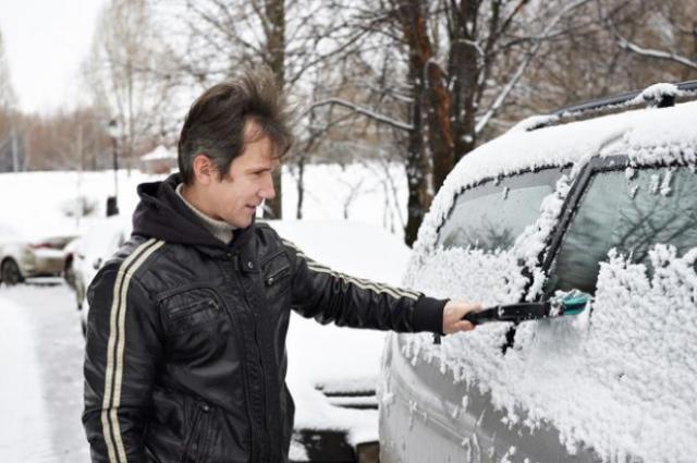 Автомобиль к холодам нужно готовить заранее.