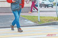 Водители не замечают пешеходов.