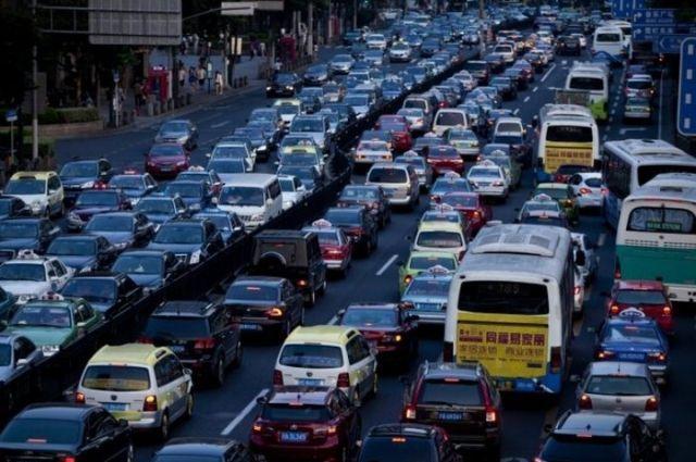 В Киеве штрафуют водителей за въезд на полосы общественного транспорта