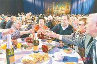Гости шутили, что непременно должны встретиться за этим же столом в «России» через десять лет.