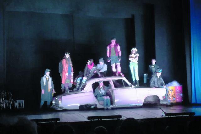 На машине времени - в новый театральный год.