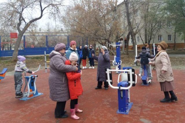 За лето в Ленинском районе установили сразу три новых спортплощадки.