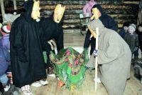 «Медвежьи игрища» - один из древних обрядов ханты.