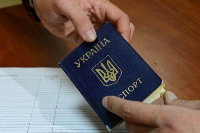 В Киеве мужчины перепродавали квартиры умерших пенсионеров: детали аферы