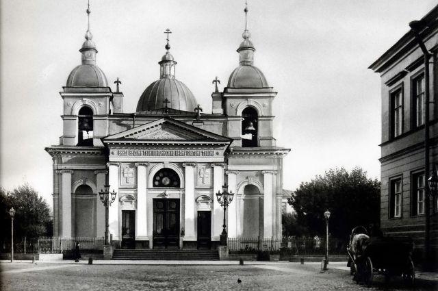 Освящение главного придела во имя Рождества Христова состоялось в сентябре 1798 года.