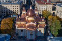 В 2004 году группа активных прихожан обратилась к митрополиту Санкт-Петербургскому и Ладожскому Владимиру с просьбой рассмотреть возможность восстановления храма.