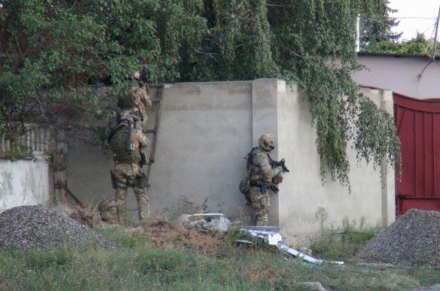 Террористы общаются по закрытым каналам связи, но спрятаться от спецслужб им далеко не всегда удаётся