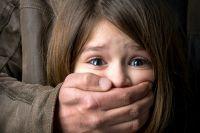 В Обухове мужчине, который раздевал семилетнюю девочку, объявили подозрение