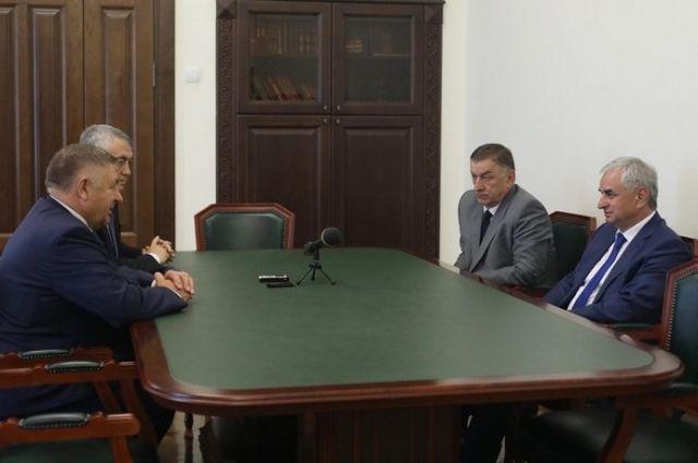Стороны обсудили перспективы дальнейшего сотрудничества.
