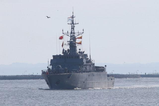 Моряки Балтфлота во время учений нашли затонувшую подводную лодку