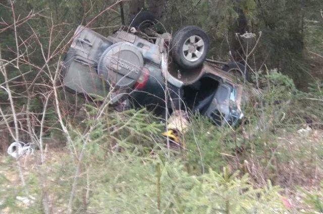 В результате ДТП пострадали водитель и пассажир машины.
