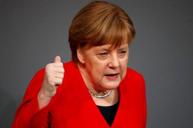 Зеленский провел телефонный разговор с Меркель: подробности