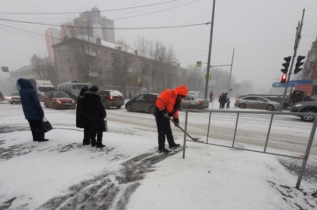 В Тюмени 361 единица спецтехники задействована в уборке снега