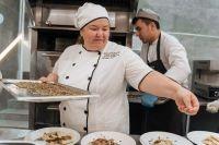 Хадижат популяризирует чеченскую кухню в России и других странах