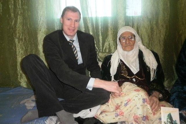 Танзиля Бисембеева и ее младший сын Шинтас
