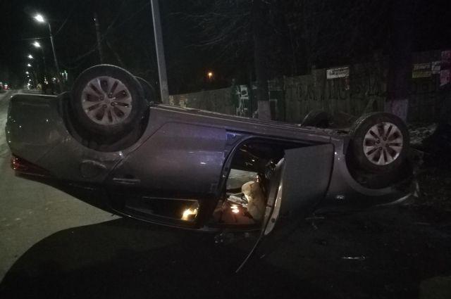 В Воткинске пьяный водитель «Киа Рио» получил травмы в ДТП