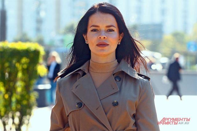 «Ещё студенткой поняла: хочу жить только вФилях-Давыдкове. Мечта осуществилась»,– признаётся певица иактриса Елена Князева.