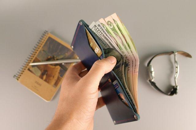 В НБУ рассказали, почему в Украине повышаются зарплаты