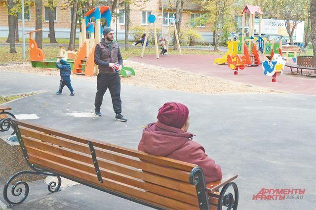 Детские площадки по просьбам кунцевчан совмещают в себе зоны для игр и отдыха.