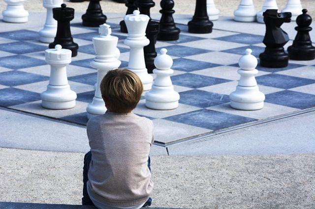 Тюменские школьники и детсадовцы все чаще стали играть в шахматы