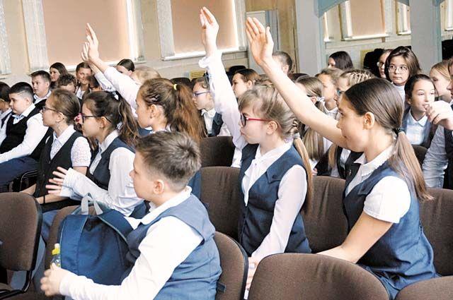 Тюменские школьники показывают класс в решении кейсов