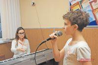 В студии «Вокал club» каждое занятие начинается с распевки.