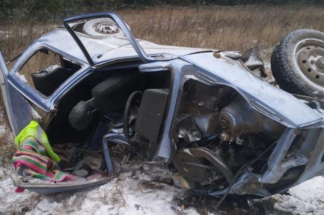 Водитель «Оки» погиб в ДТП, выехав на встречную полосу