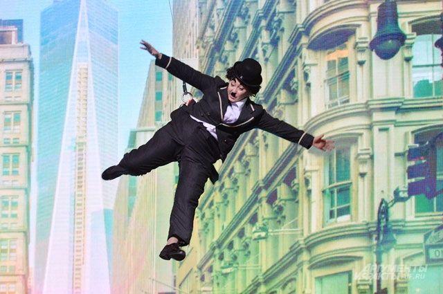 Светлана Ягова не хуже Чарли Чаплина умеет смешить зрителей.