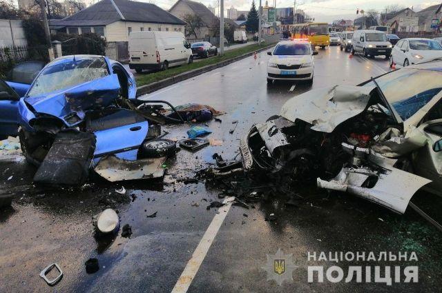 Под Киевом за сутки произошло шесть аварий: четыре человека погибли
