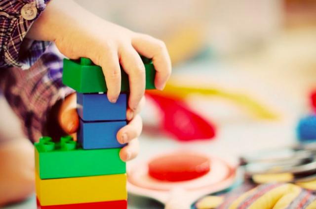 В Никополе воспитатели детсада «забыли» двухлетнего ребенка на улице