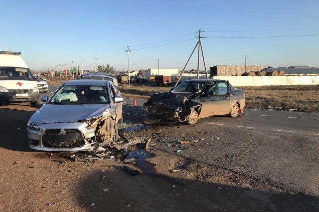 В Тоцком районе в столкновении «Лады» и Mitsubishi пострадали 3 человека.