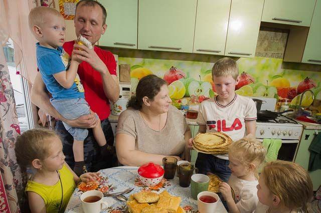 В семье Стремоусовых шестеро детей.