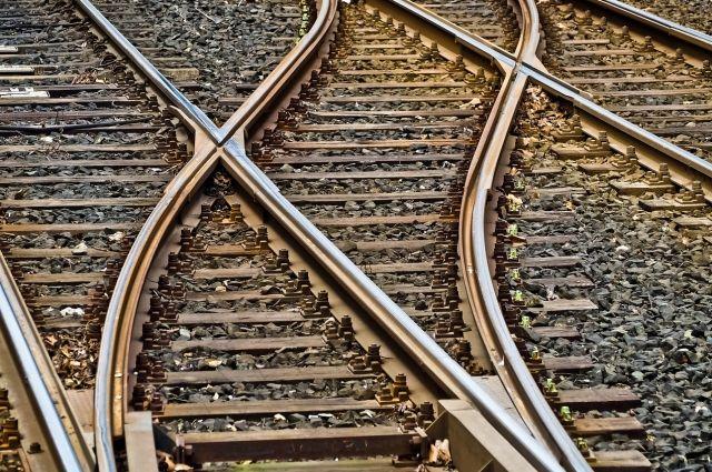 В Удмуртии два вагона грузового поезда сошли с рельсов