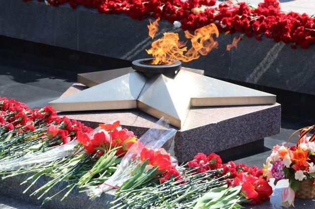На Монументе Славы вновь зажжется Вечный огонь.