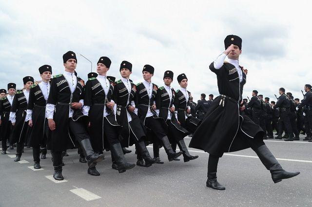 И в древности, и в наше время мужчины на Кавказе - патриоты и защитники