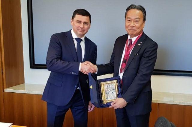 Губернатор Дмитрий Миронов встретился с руководством одной из крупнейших компаний Японии по производству медоборудования.