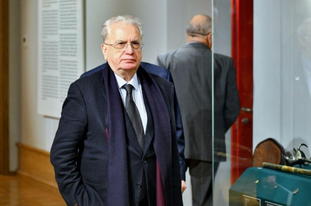 Директор Государственного Эрмитажа Михаил Пиотровский высоко оценил новый культурно-образовательный центр в Омске.
