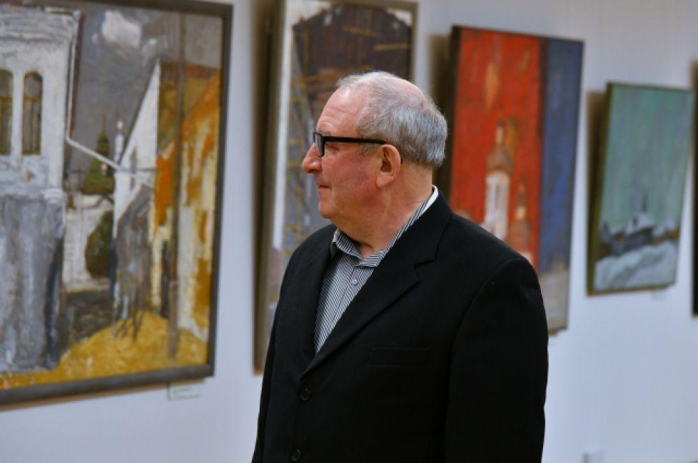 Экспозиция двух залов включает живописные произведения из фондов музея им. М.А. Врубеля.