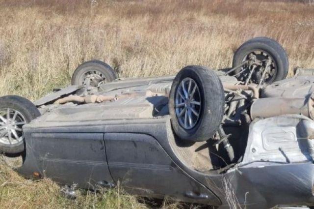 В Ташлинском районе «ТагАЗ» съехал в кювет, есть пострадавшая.