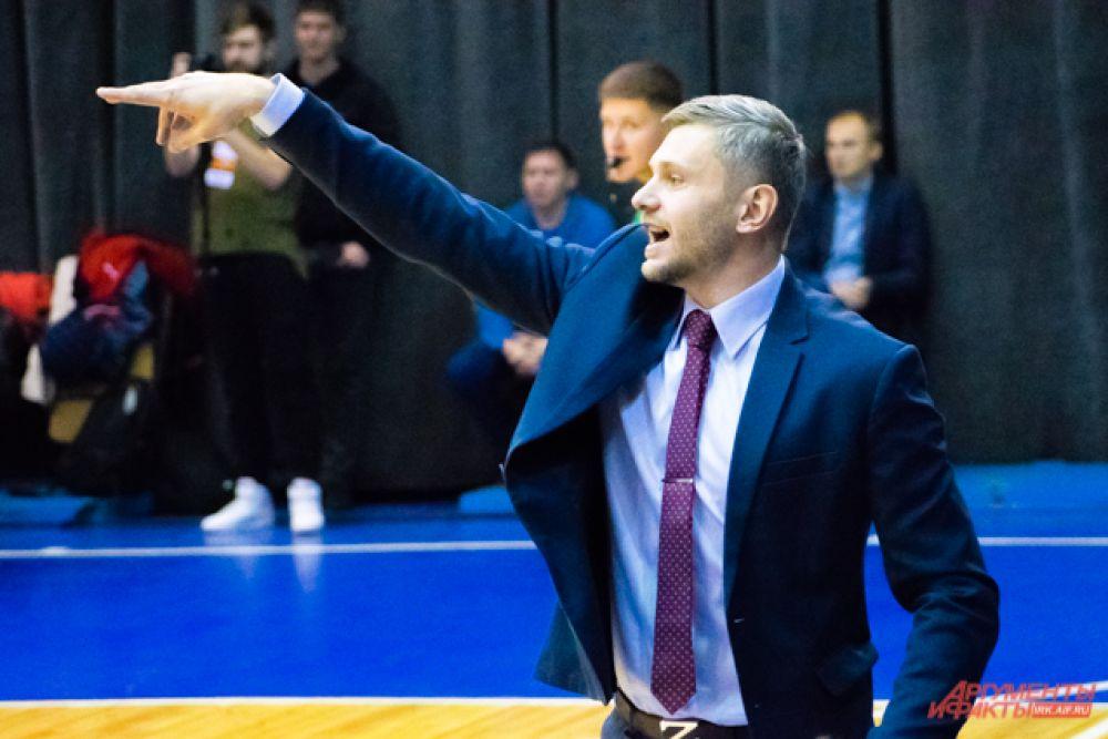 Главным тренером команды в этом сезоне стал Евгений Горев, перешедший из клуба «АлтайБаскет»