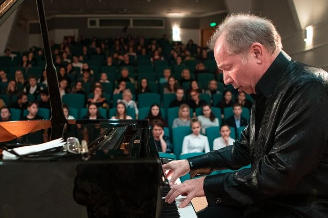 Мастер-класс по игре на фортепиано