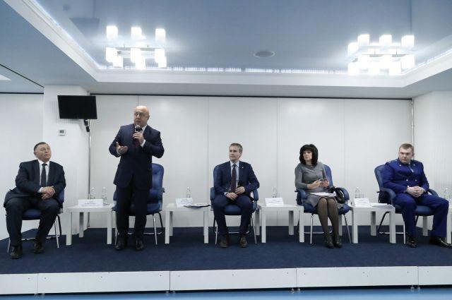 Мэр на встрече с предпринимателями рассказал об изменениях, внесенных в нормативные акты