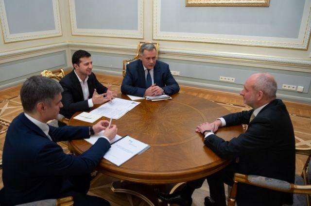 Зеленский принял верительные грамоты от послов четырех стран: подробности