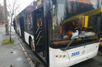 В Киеве загорелся троллейбус с пассажирами: жертв и пострадавших нет